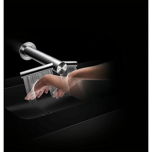 Dyson Airblade™ Wash+Dry hand dryer WD 04 – short fitting neck Anwendung 1